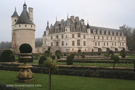 Château de Chenonceau jardins voulus par Catherine de Médicis
