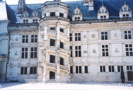 Visite du Château de Blois escalier à vis