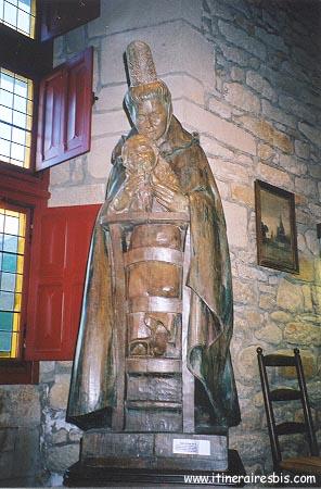 Statue sculptée en bois Bigouden