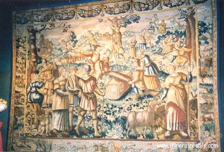 Tapisserie représentant des scènes de jeux Château de Blois