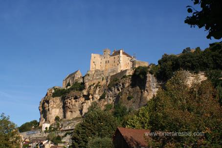 Le château de Beynac sur son piton rocheux