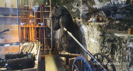 Musée de la maison forte de Reignac