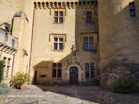Château de Puymartin la cour Saint Louis