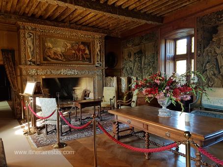 Château de Puymartin la salle des tapisseries