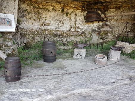 La forge de la cité troglodyte de la Roque Saint Christophe