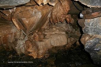 Grottes de Doolin et stalactites