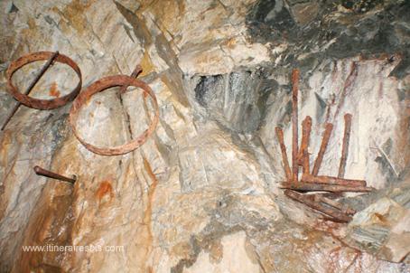 Visite de la mine de Glengowla de l'outillage