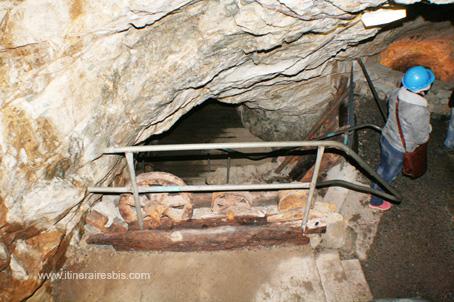 Mine de Glengowla des poulies qui servaient à remonter les martériaux